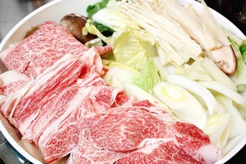 もふるさと納税で、宮崎県の桜花牧場のすきやき肉